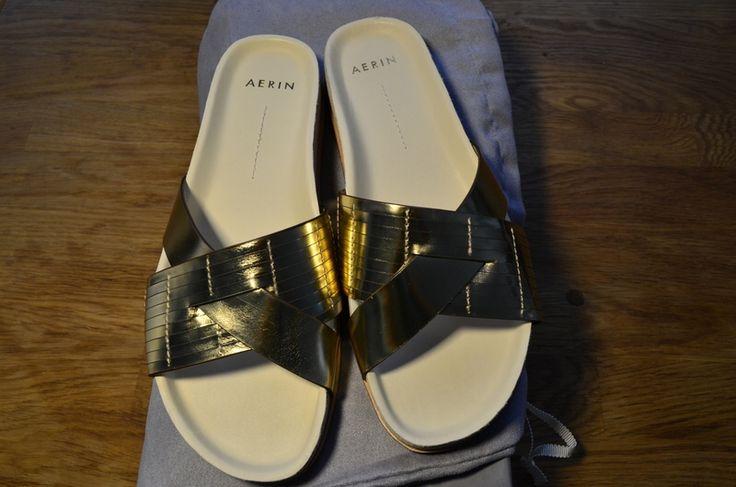 Mein metallic leder Pantolette von AERIN von Aerin! Größe 37 für 65,00 €. Sieh´s dir an: http://www.kleiderkreisel.de/damenschuhe/sandalen/141882206-metallic-leder-pantolette-von-aerin.