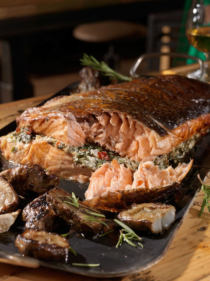 Stuffed salmon with herbs! We ask our local fish market to cut us 2 salmon filet around 1 kilo in weight.  It's a good idea for the fish to be the same size or from the same cut so that when we place o...