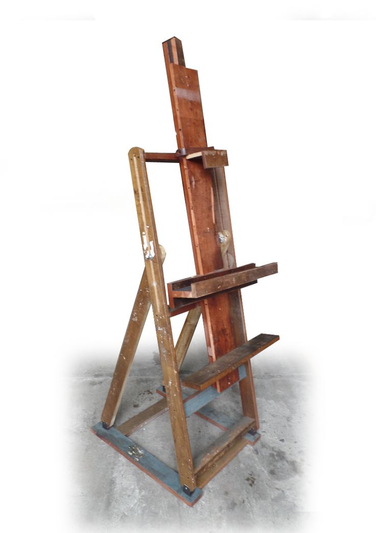 Atril para TV en madera reciclada