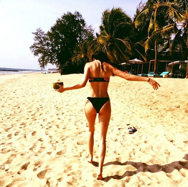 kylie jenner's halloween costume | 18 Super Sexy Photos Of Kendall Jenner In A Bikini - RumorFix