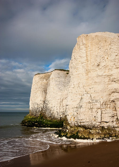 This is Botany Bay beach in the UK, it is a beautiful family friendly beach near Margate on the Thanet coastline