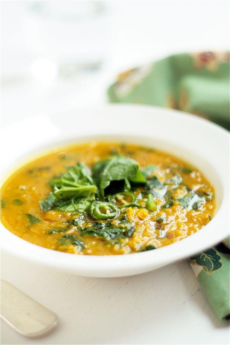 zuppa di lenticchie rosse e spinaci alla curcuma