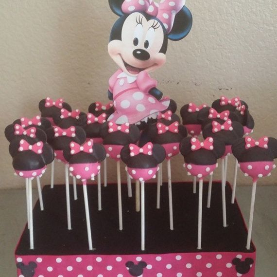 12-minnie mouse theme cake pops por Chevonscouturesweets en Etsy