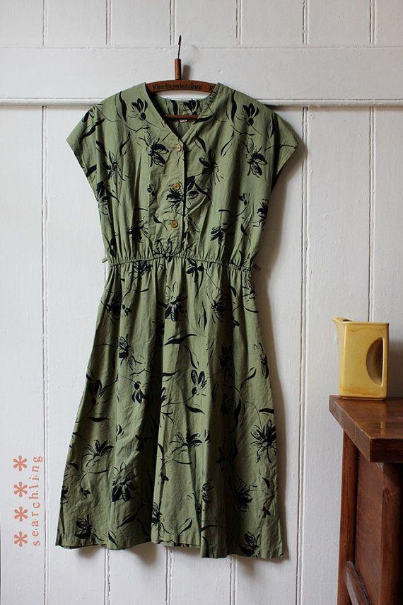 Vintage 1980's olive green floral dress - Medium