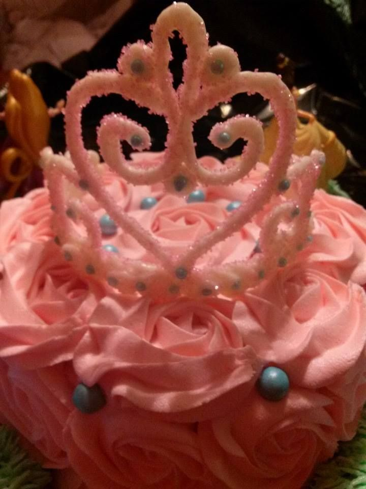 White chocolate crown!