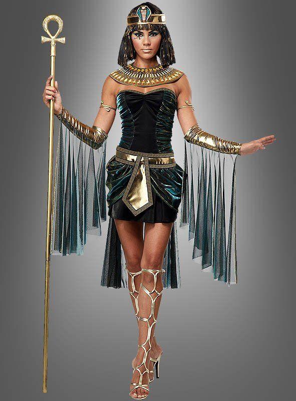 Kleopatra Kostüm für Karneval - einfach sexy Einmal gehen wie eine Ägypterin, das ist der Traum vieler Damen. Doch nicht in irgendeinem Kleopatra Kostüm, sondern die Göttin Isis höchstpersönlich. Tolles Partnerkostüm mit einem ägyptischen Herrscher. Einfach einen Pharao grün schminken und man wird zu Isis Gatten Osiris. Heißes, ärmelloses Kleid mit durchsichtigen Trägern. Das Kleid ist vorne kürzer als hinten. Gold-grün schimmernder Netzstoff ist seitlich eingenäht. Auch ab der Taille…