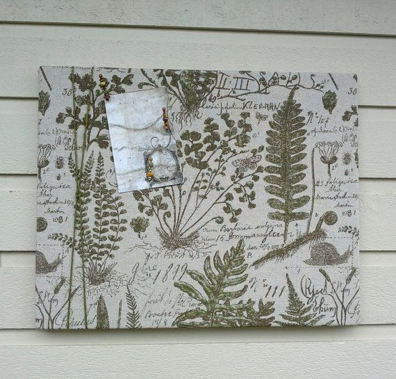 Pin Board with a Botanical print with leaves by jensdreamdecor