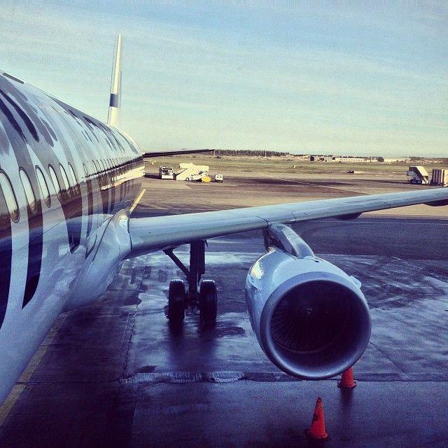 #plane #people #instacool #helsinki #finnair #sky @ Helsinki instagram.com/p/e9vGrRn6F9/ Photo by @BulavinaDaria