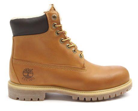 Boots Heritage Fur Camel Timberland prix promo Menlook 199.00 € TTC.