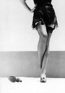 Marlene Dietrich: Photography Glamour, Boudoir Photos, Beautiful Legs, Posts, Classic Hollywood, Nylons, Black, Marlene Dietrich