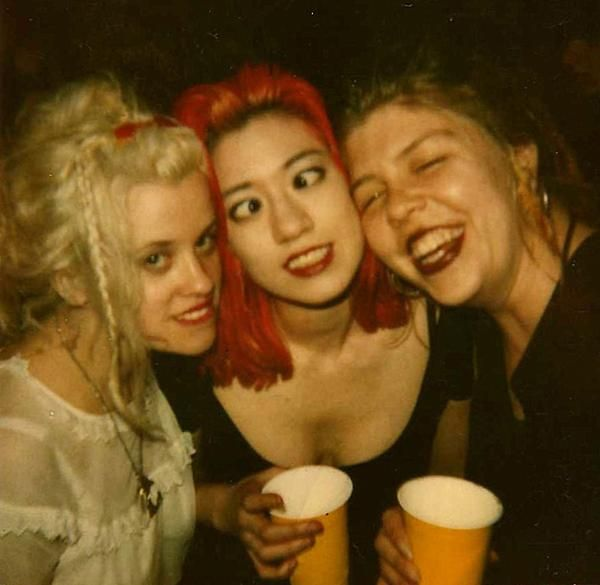 Miki Berenyi (Lush) with Kat Bjelland and Lori Barbero (Babes In Toyland)