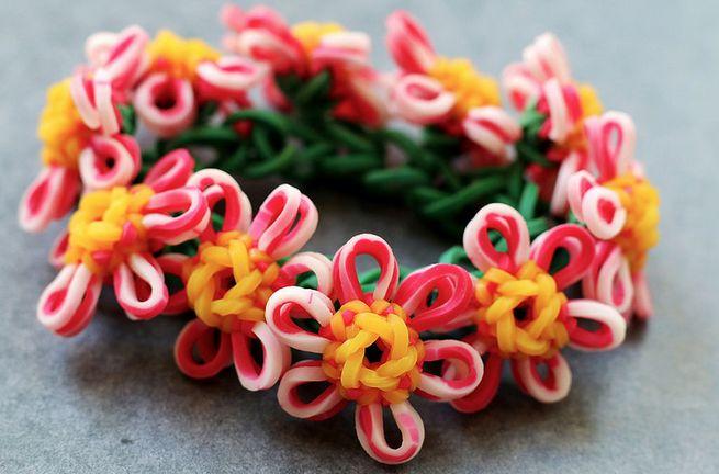 flower charm bracelet got this design from yarn journey