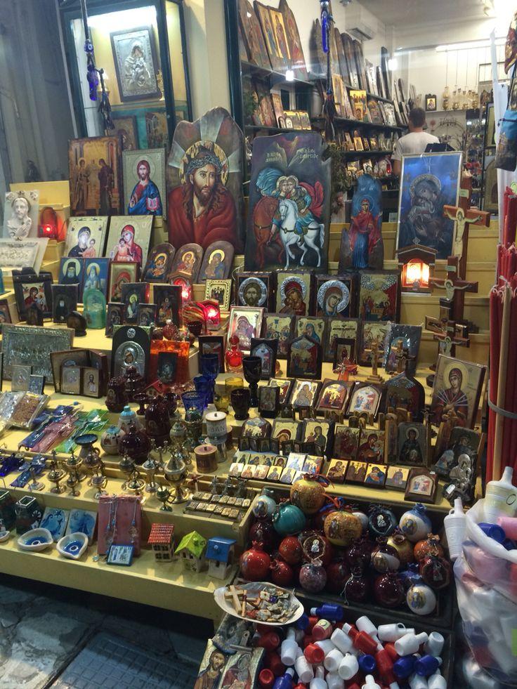 Night View at Evaggelistrias 76 Tinos store @nioras.com