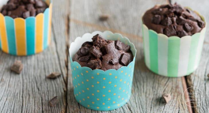 https://www.backenmachtgluecklich.de/rezepte/einfache-schnelle-schoko-muffins-mit-oel.html