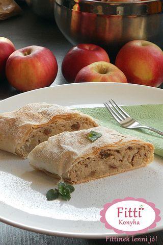 Hozzávalók az almás rétes tésztájához  • 1 csomag réteslap (2 X 3 db réteslap, ha lehet teljes kiőrlésű.) • 3 ek olvasztott kókuszzsír  Almás töltelék hozzávalók • 1 kg alma lereszelve • 20 dkg búzacsíra + 2 marék búzacsíra • 5-10 dkg nyírfacukor / nádcukor • 1 citrom héja és leve ízlés szerint • pici gyömbér lereszelve • fahéj • 2 marék mazsola • porcukor (nyírfacukorból vagy nádcukorból) a szóráshoz
