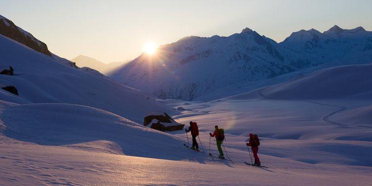 Andermatt Tourismus, holidays in the heart of Switzerland, hotels, accommodation, excursions, wintersport, ski, snowboard, summer, bike, hike, climbing, mountains, gemsstock, gotthard - Andermatt (en) -