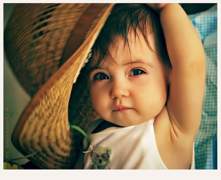 Cute little girl photoBaby Sitter, Straws Hats, Little Girls Photos, Adorable, Baby Hats, Kids, Beautiful People, Children Photography, Beautiful Baby