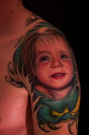 I can't tell if this is photoshopped or real. Ten times better than any other portrait tattoo I've ever seen. I don't even like portrait tattoos, and I have to pin this one.