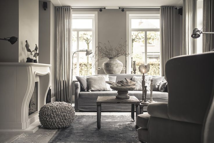 25 beste idee n over warm grijs op pinterest taupe kleuren verf grijze verf en warm grijze verf - Grijze lounge taupe ...