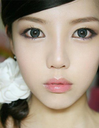 Korean style makeup and hair. Focus is on healthy skin and natural look.  -Lily   #Asianfashion #Korean #cosmetics