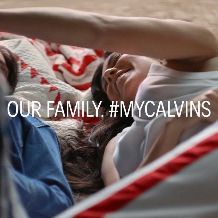 Las hermanas Kardashian Jenner posan en campaña Calvin Klein