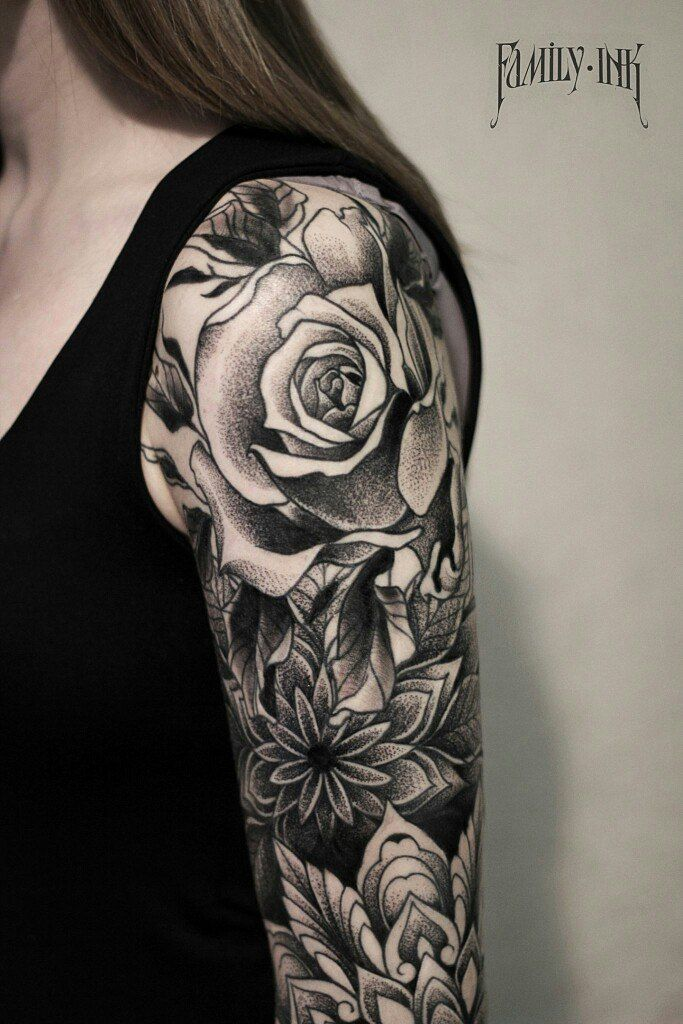 rose tattoo on shoulder by family ink sleevetattoo blackwork tattoos pinterest tinte. Black Bedroom Furniture Sets. Home Design Ideas