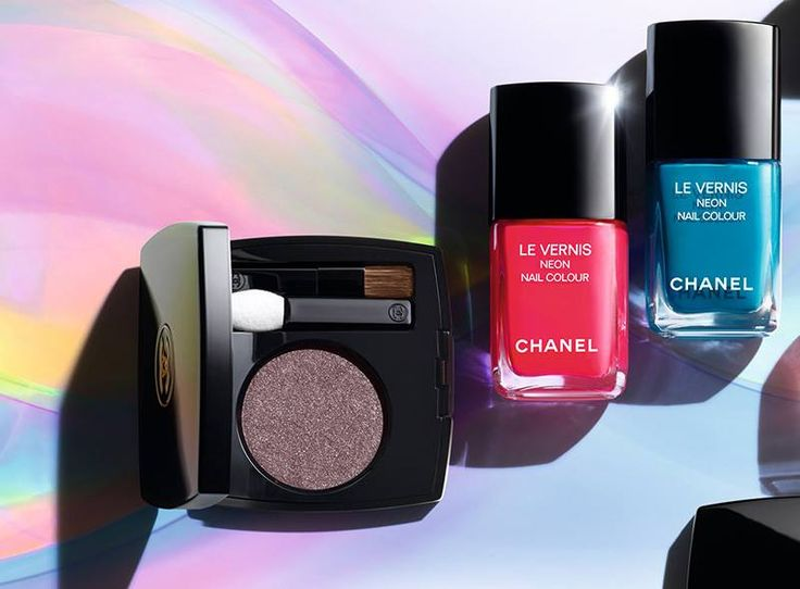 Hello pretties! Chanel Neon Wave is the newest summer 2017 makeup collection which presents an electric look with vivid and fluorescent shades. You can play with the color to achieve an electric, satinate and luminous look perfect for these hot… Continue Reading →