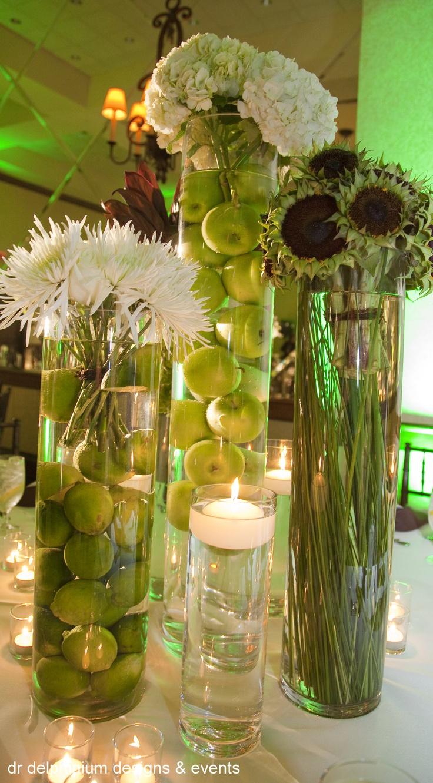 17 best images about flower arrangements on pinterest for Flower arrangements with delphinium