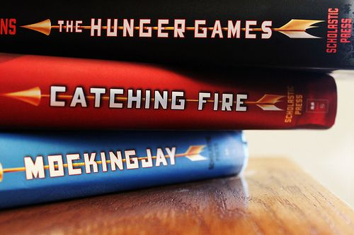 The Hunger Games - I loved this series. Katniss has dethroned Harry in my book world.: Worth Reading, Games Hunger, Catching Fire, Hunger Games Trilogy, Hunger Games Series, Hungergames, Movie, Favorite Books, The Hunger Game