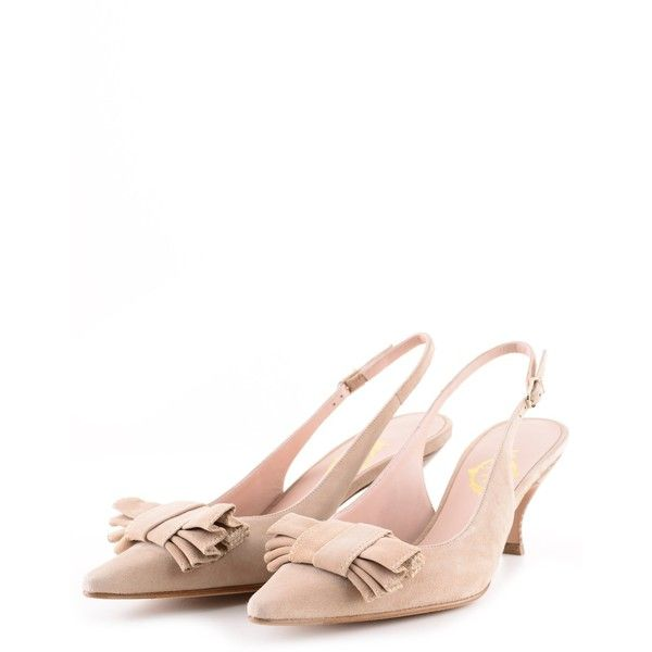 Unützer Beige Camoscio Kitten Heels ($440) ❤ liked on Polyvore featuring shoes, pumps, kitten heel shoes, beige pumps, kitten heel pumps and beige shoes