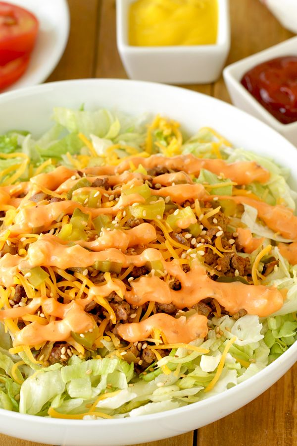 Big Mac burger bowl! Ditch the bun, and enjoy savory burger goodness without all the carby calories! McDonald's fans will love this recipe! 1 burger: 316 calories   12.5g fat   7 Weight Watchers SmartPoints   PIN!
