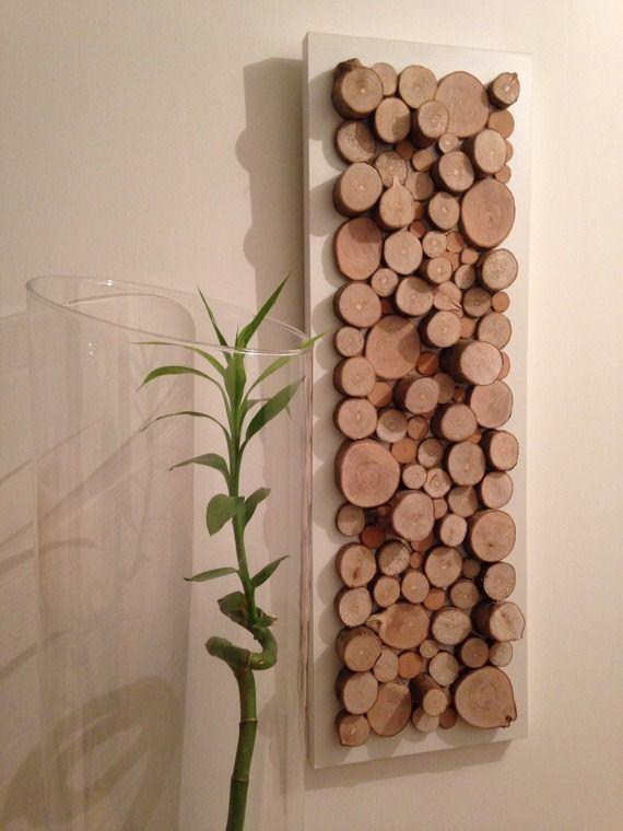 Tableau de rondins de bois sur fond blanc