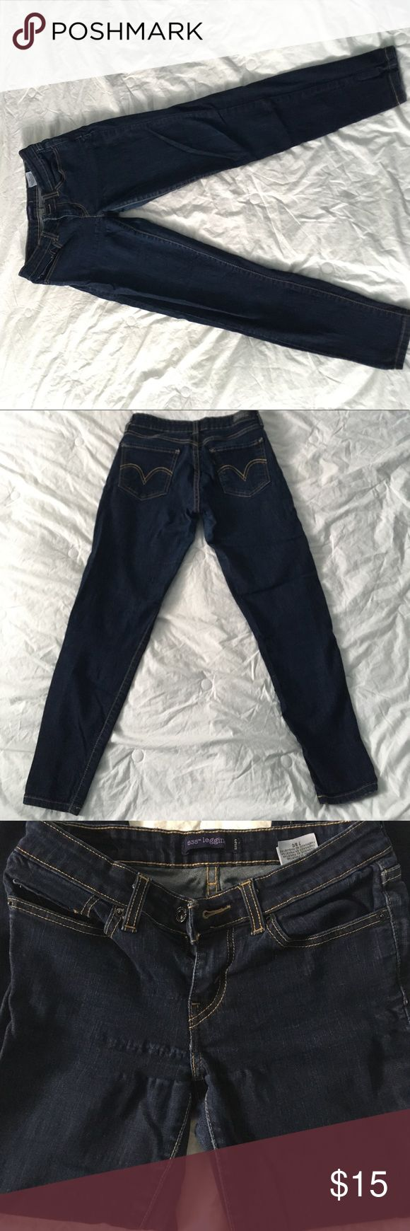 Size 7 S, LEVI STAUSS & CO, dark skinny jeans. Size 7 short, dark blue skinny jeans from LEVI STRAUSS & CO. They are stretchy. There are two 2inch pulls close to the crotch (pictures attached) on the right leg that aren't really noticeable when wearing the jeans. Levi's Jeans Skinny
