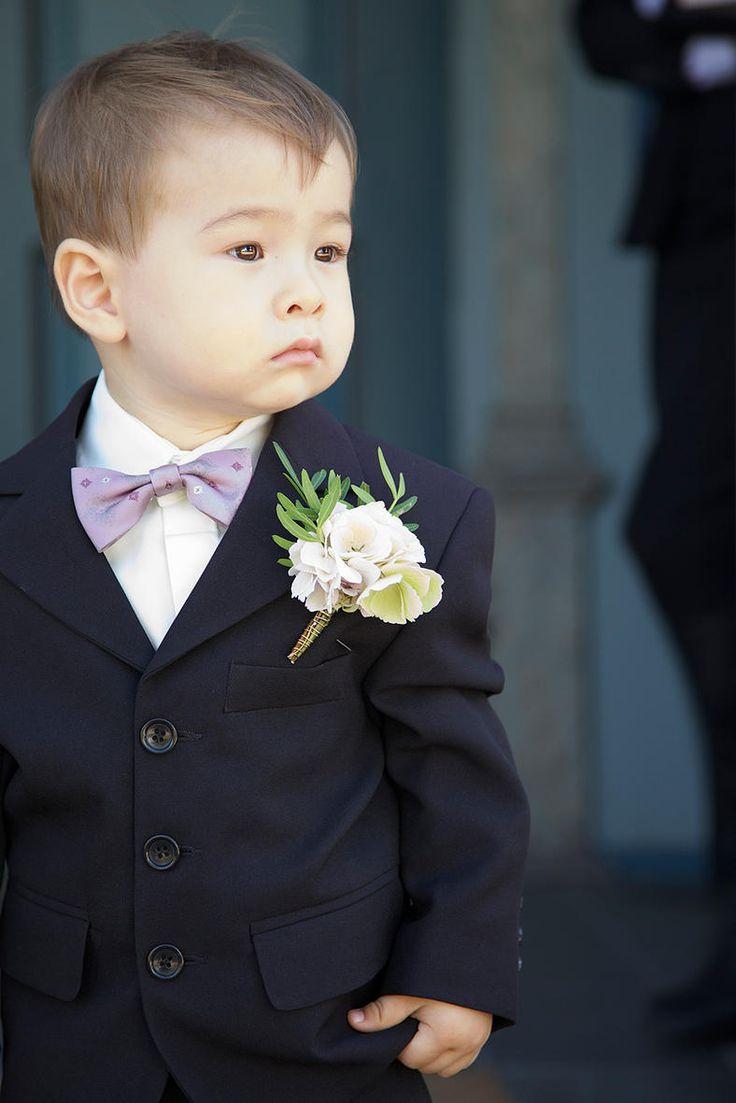 Denne skønne dreng, ventede på sine forældre til deres bryllup <3