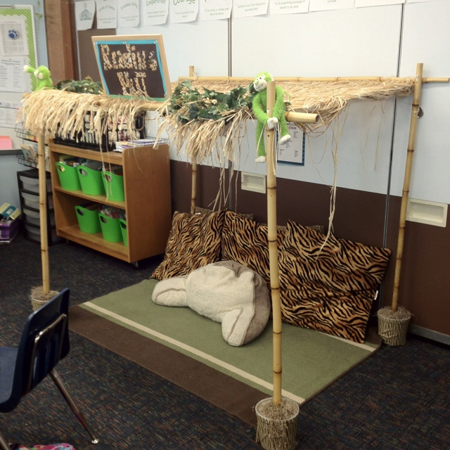 """Reading Hut"" - saw this in one of the classrooms I subbed in & I'm totally going to copy it!"