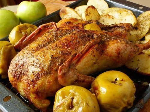 Утка с яблоками - Рецепты утки с яблоками - Как правильно готовить