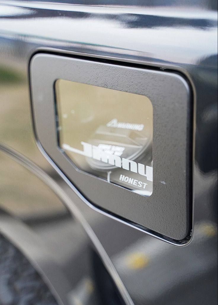 新型ジムニー Jb64 ジムニーシエラ Jb74専用カスタムパーツ ガラス製フューエルリッド販売中 2021 ジムニーシエラ ジムニー 新型ジムニー