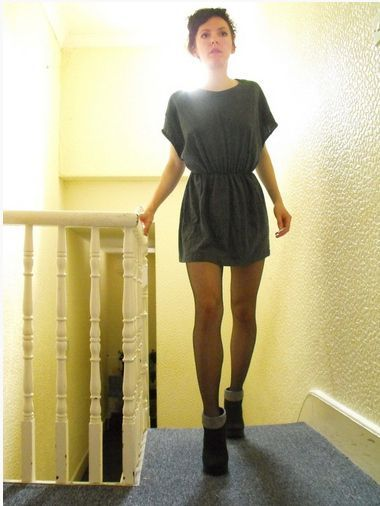 Make a tunic.   39 Ways To Reuse, Restyle, And Rewear Your Old T-Shirts