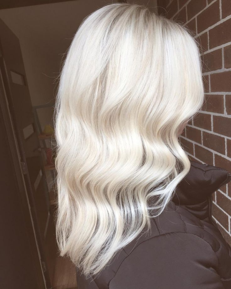 Olaplex platinum blonde, more natural nearer the roots