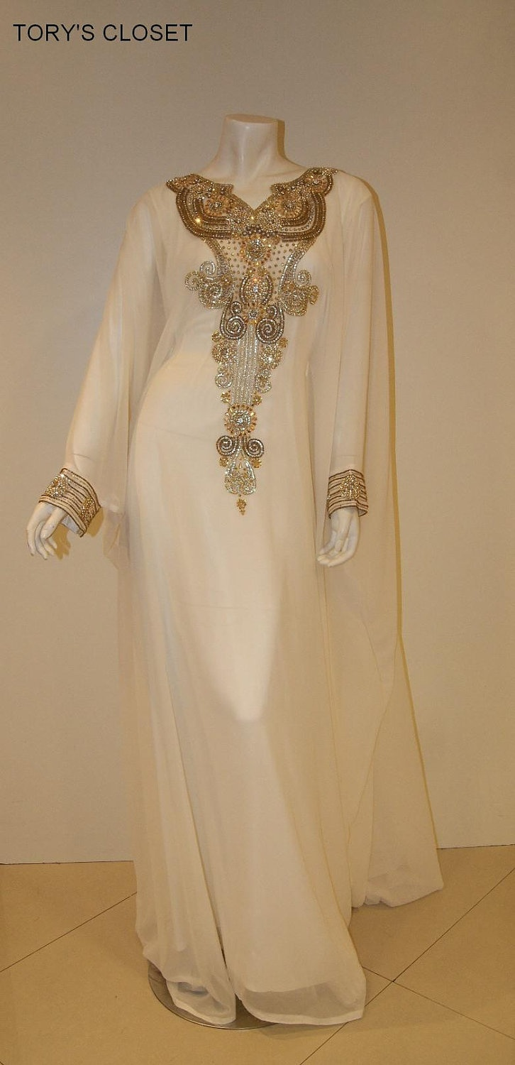 Very Fancy dubai Kaftan/Abaya/jalabiya. $159.55, via Etsy.