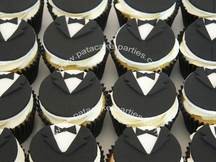 chocolate tuxedo cupcakes (but with ties)