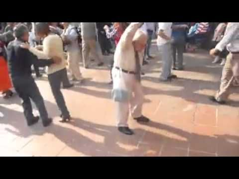 ▶ Never Stop Dancing - Old Man Yolo Dance - YouTube