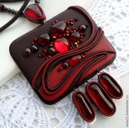 """Кулоны, подвески ручной работы. Ярмарка Мастеров - ручная работа. Купить """"Вишнёвый джем"""" Бордовый кулон кожа натуральная гранат. Handmade."""