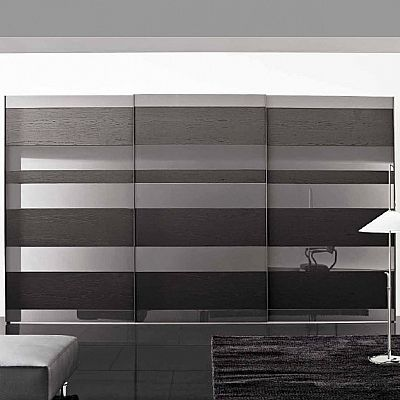 Black, lacquered 'Benny' Wardrobe by Veneran