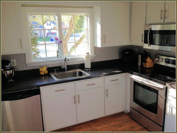 cost of kitchen cabinets per linear foot installed
