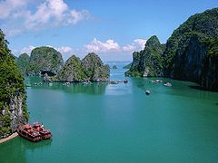 Hạ Long Bay - Wikipedia