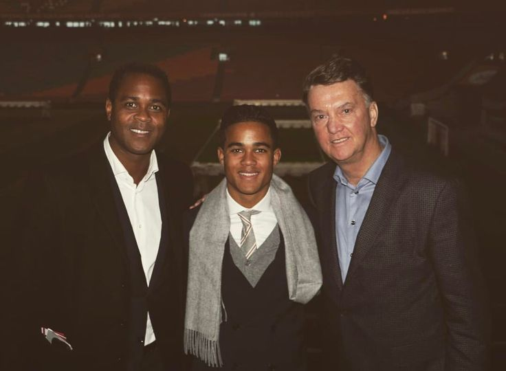 ¿Cuánto mide Justin Kluivert? - Real height 9299fe5642e2fe91cf406160551a04f7--afc-ajax-patrick-obrian