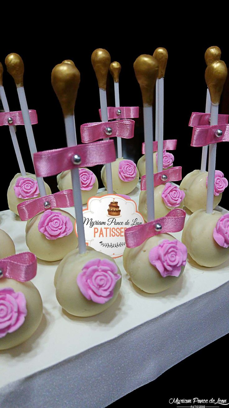 Cake pop decoradas con rosas de azucar