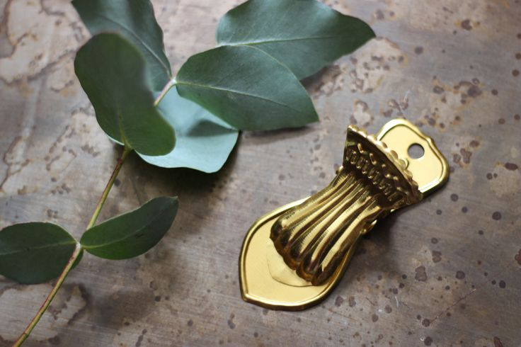 Shiny Gold and Glorious Clip http://www.aprilandthebear.com/home-accessories/shiny-gold-clip