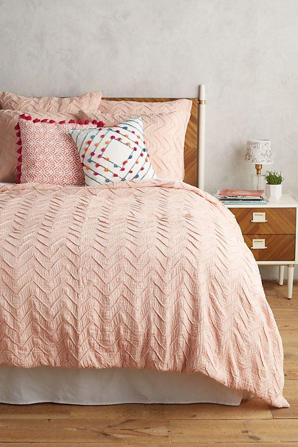 Matrimonio Bed Cover : Textured chevron duvet cover anthropologie r o o m in